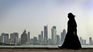 कतारमा विदेशी कामदारलाई रोक्का, साउदीले पनि फर्काउन थाल्यो