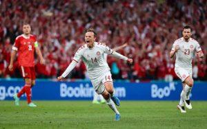 रुसलाई ४–१ गोलले हराउँदै डेनमार्क युरो कप फुटबलको अन्तिम १६ मा