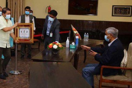 नेपाल सहकारी बैक खोल्ने विषयमा प्रम सकरात्मक
